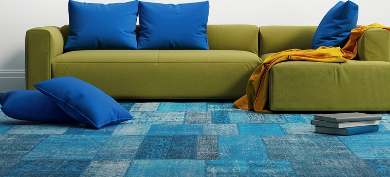 Green Couch on Blue Pattern Run
