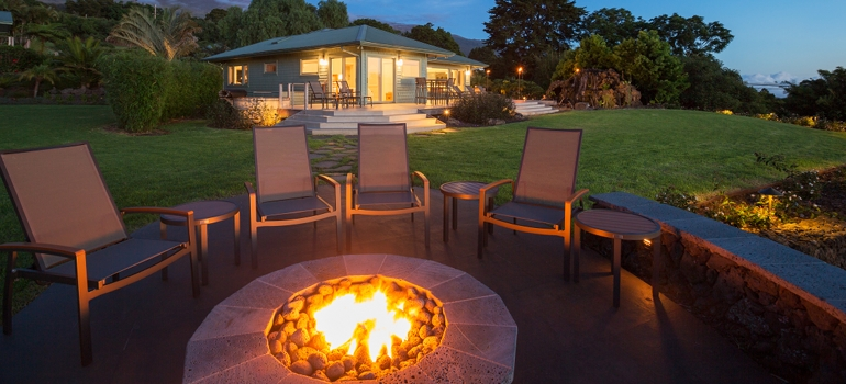 Outdoor Firepit with Seating