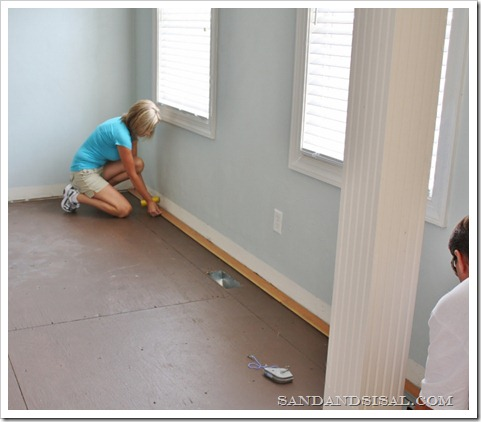 laying-hardwood-floors-2-800x6868