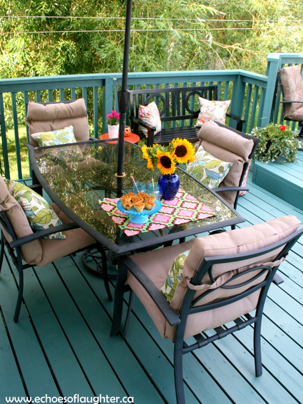 Deck painting ideas 32 colorfully painted decks and porches for Painted deck pictures